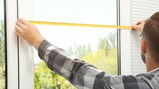 Fensterdämmung mit Acrylglas – sehen Sie selbst, wie einfach das ist!